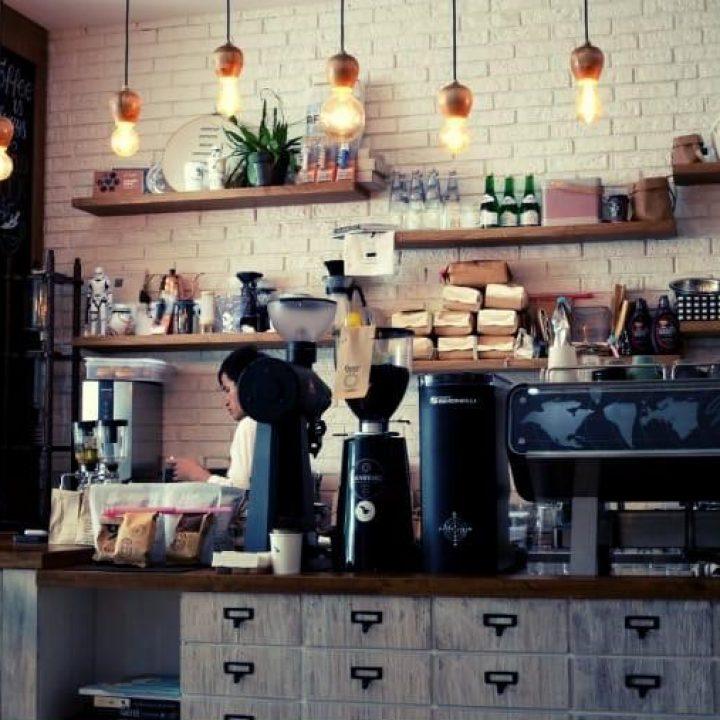 Staff Kafe Gizi - bg